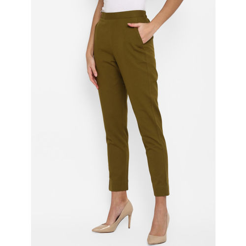 Janasya Women Green Regular Fit Solid Cropped Trousers