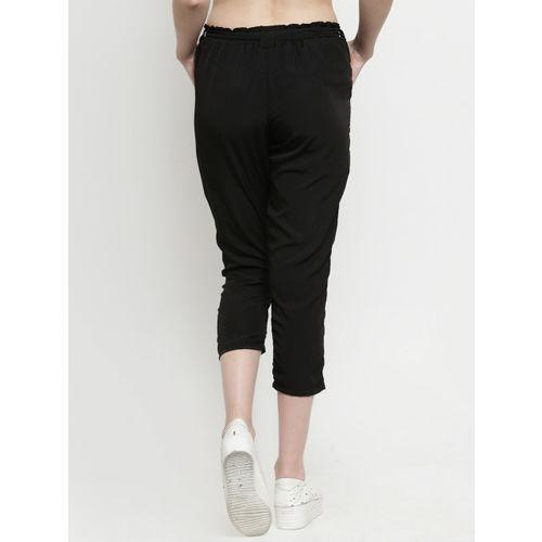 J Style Women Black Solid Slim Fit Capris