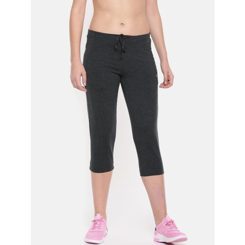 Enamor Women Charcoal Grey Solid Slim Fit Capris