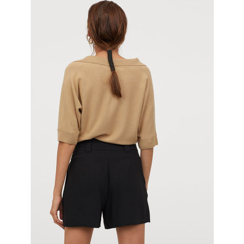 H&M Women Black Solid Tailored Shorts