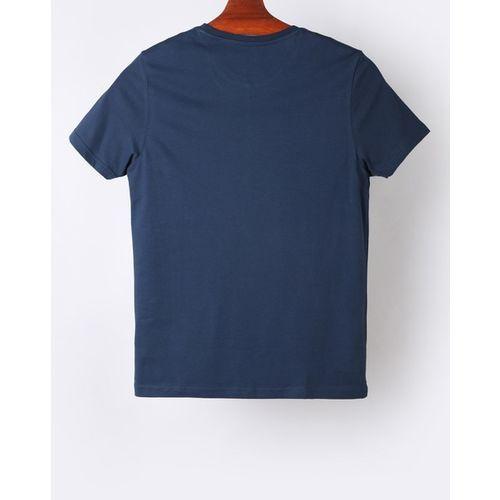 AJIO Graphic Print Slim Fit Crew-Neck T-shirt
