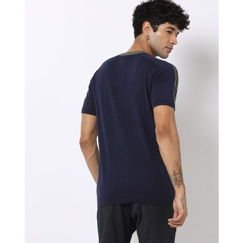 AJIO Slim Fit Crew-Neck T-shirt with Contrast Taping