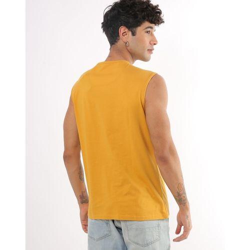 AJIO Sleeveless Typographic Print Slim Fit Crew-Neck T-shirt