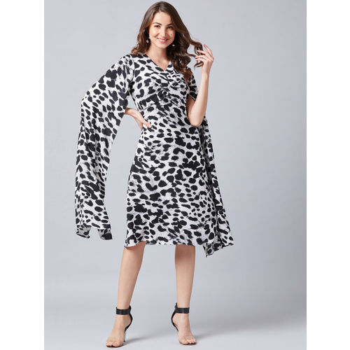 Athena Women Black & White Printed Fit and Flare Dress