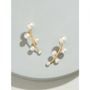 Pipa Bella white brass drop earring
