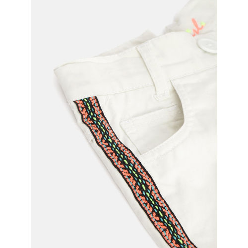 612 league Girls Off-White Solid Regular Shorts