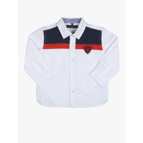 Tommy Hilfiger Boys White & Navy Blue Regular Fit Colourblocked Casual Shirt