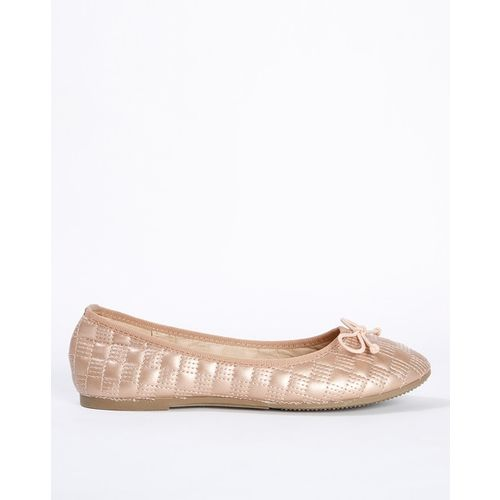 AJIO Textured Ballet Flats with Bow Accent
