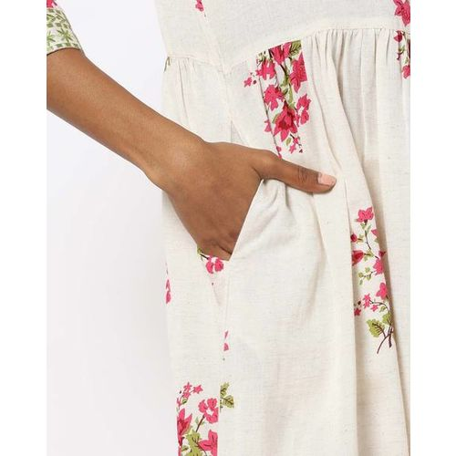 AVAASA MIX N' MATCH Floral Print A-line Kurta with Notched Neckline