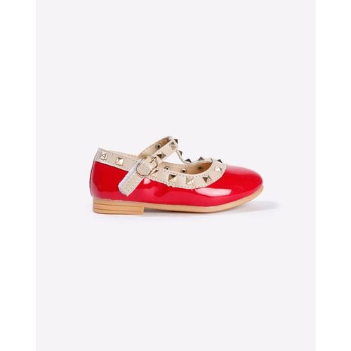 AJIO Low-Top Flat Shoes with Metal Accents