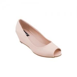 Sherrif Shoes beige slip on wedges