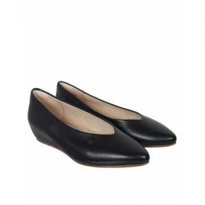 Clarks Black Leather Pointed Toe Slip On Flat Bellies