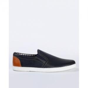 AJIO Black Polyurethane Textured Slip On Casual Shoes