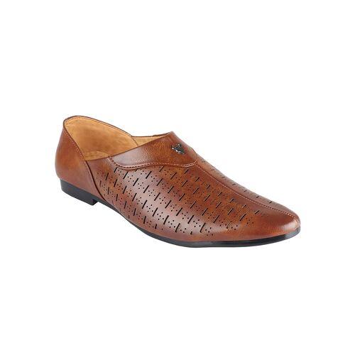 beige leather slip on mojaris