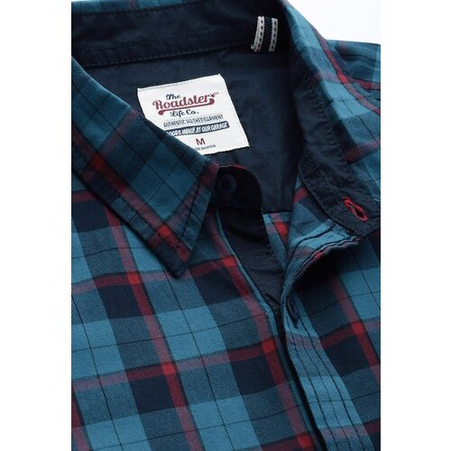 Roadster Men Teal Blue & Red Regular Fit Checked Casual Shirt