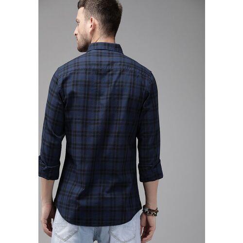 Roadster Men Navy Blue & Black Regular Fit Checked Casual Shirt