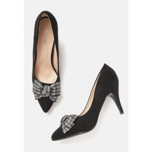 DressBerry Women Black Solid Pumps with Bow Detail