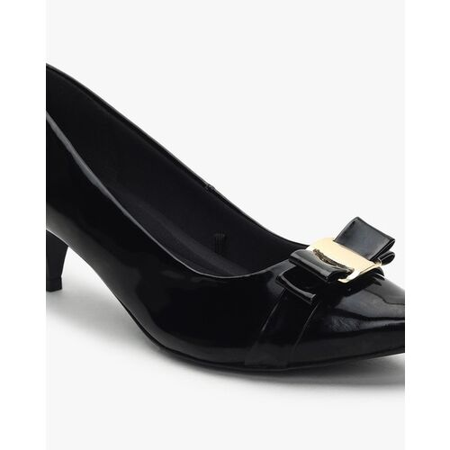 Carlton London Pumps with Bow Accent