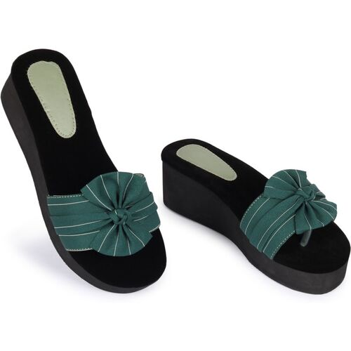 Alishtezia Green Polyurethane Women Heels Chappals