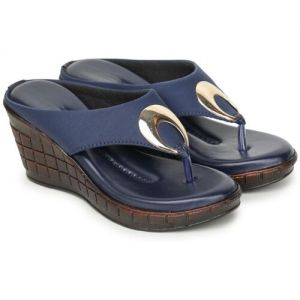 Clouter hub Blue, Brown Synthetic Women Heels Chappals