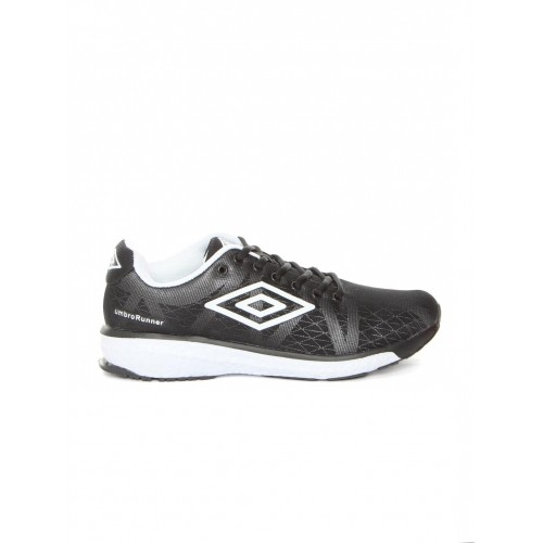 umbro breathable extra bounce shoes