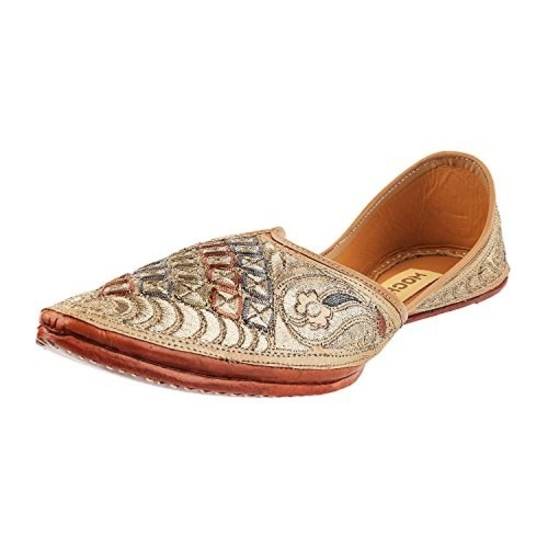 MOCHI Men's Beige Embroidered Juti/Mojri