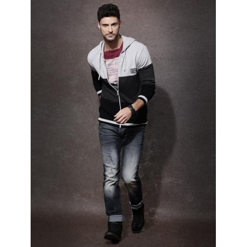 Roadster Gray & Black Cotton Hooded Sweater