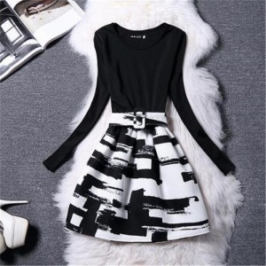 Zafraa Black And White Knitted Printed Winter Dress