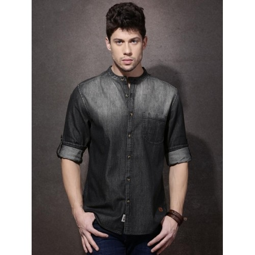 3424f9dfed9 ... Roadster Charcoal Grey   Black Cotton Regular Fit Faded Denim Shirt ...