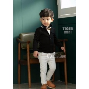 Forever Kidz Black Solid Blazer For Boy