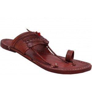 Sushito Men Brown Chappals