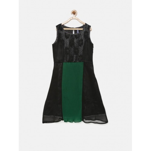 YK Girls Black & Green Colourblocked Lace Fit & Flare Dress