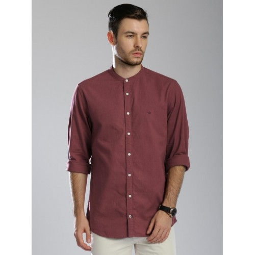 c1a42355 ... Tommy Hilfiger Men Burgundy Regular Fit Solid Casual Shirt ...
