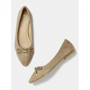 DressBerry Beige Solid Pointy-Toed Ballerinas