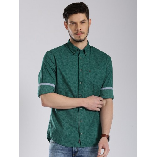 d7e7f7e3f Buy Tommy Hilfiger Green Printed New York Fit Casual Shirt online ...