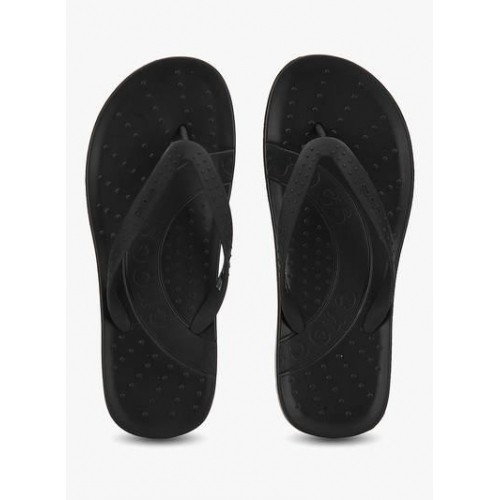 ab563c7c6 Buy Crocs Chawaii Black Flip Flops For Men online