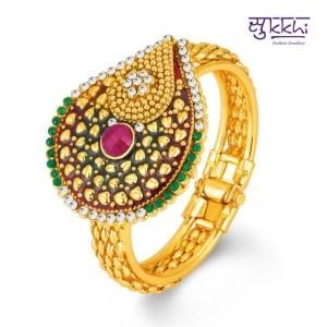 Sukkhi Fascinating Gold Plated Kundan Free Size Kada