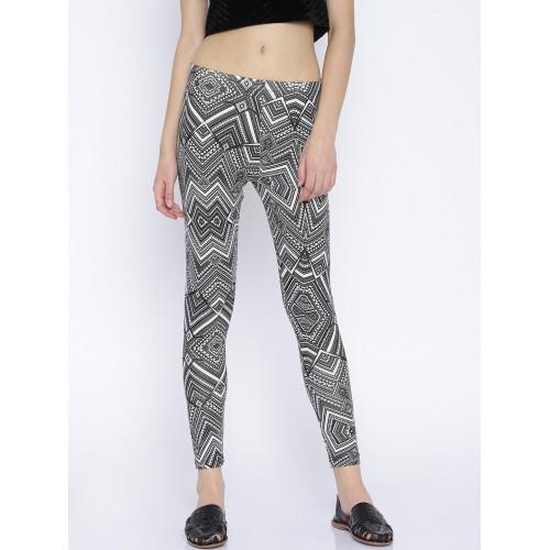 0b8b29b39aed7 Buy Global Desi Black & Off-White Printed Leggings online   Looksgud.in