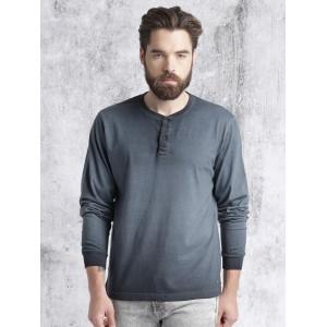Roadster Men Blue Washed Henley Neck T-shirt
