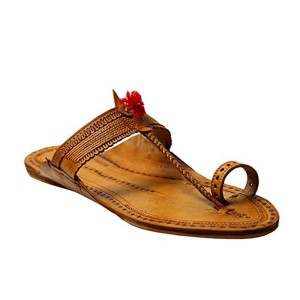 KORAKARI Light Yellow Typical Kolhapuri Chappal
