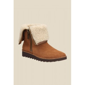 Clarks Olso Beth Tan Snow Boots