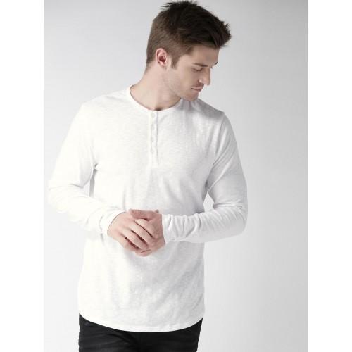 e68e7553eb10 Buy FOREVER 21 Men White Solid Henley Neck T-shirt online | Looksgud.in