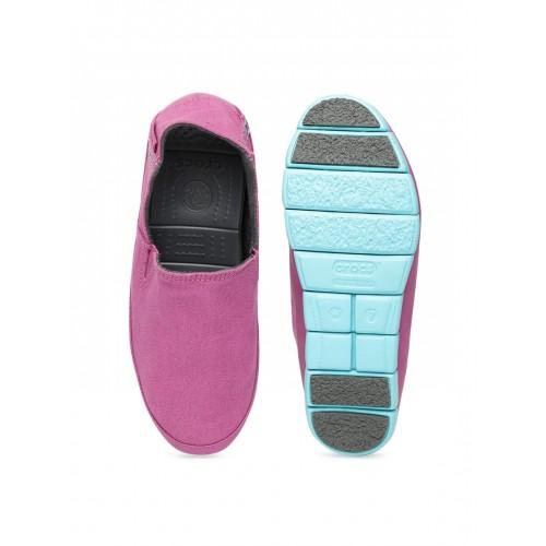 2d4204897bffbb Buy Crocs Women Pink Slip-On Sneakers online