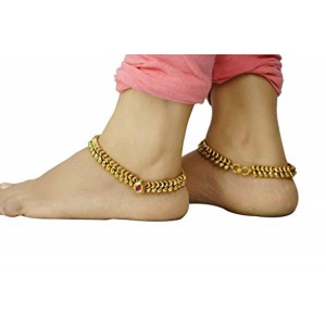 VAMA FASHIONS Golden Alloy Stone Work Anklet