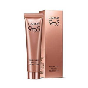 Lakme 9 to 5 Weightless Mousse Foundation, Beige Caramel, 29 g