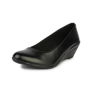 Do Bhai Black Solid Formal Wedge Shoes