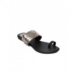 Monrow Black & Bronze-Toned Synthetic Colourblocked Chappal