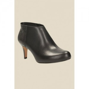 babfb660ffd4 Buy latest Women s Boots from Clarks On Myntra online in India - Top ...