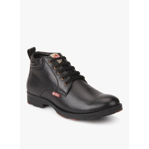 0e38458ceba Buy latest Men's Boots On Ajio, Reliancetrends online in India - Top ...