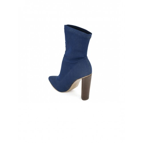 Truffle Collection Women Blue Solid Heeled Boots